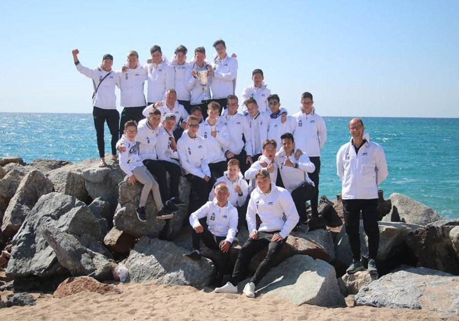B1 gewinnt internationales Turnier in Spanien!
