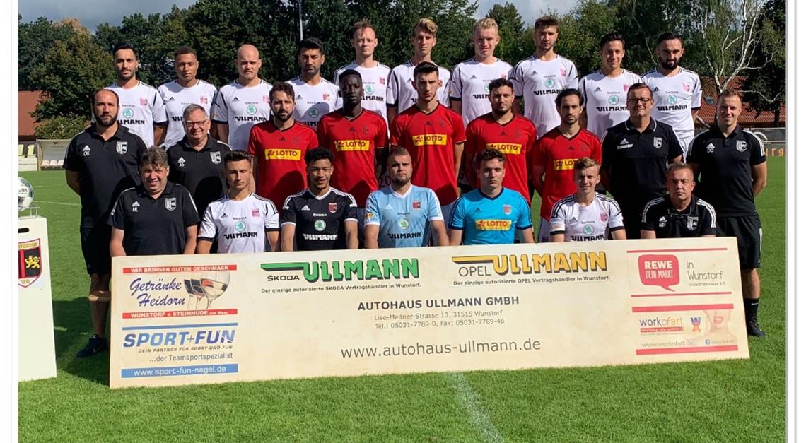 Spiel gegen den 1.FC Sarstedt unter Flutlicht!