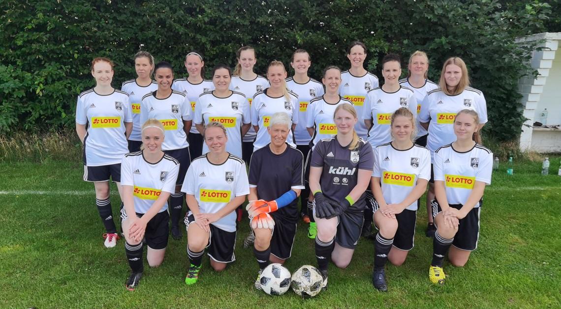 1.FC Sarstedt 2te Frauen mit 2:1 Heimerfolg gegen