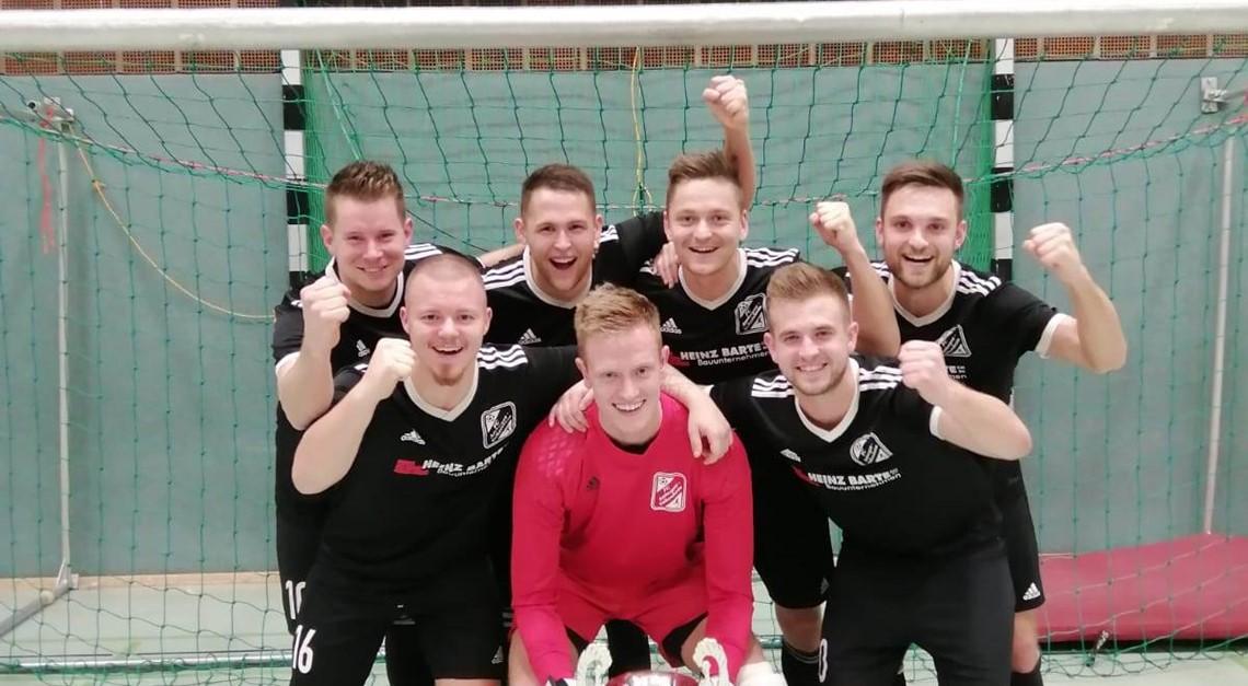 1. Herren feiert Turniersieg in Bockenem! ⚽️🏆