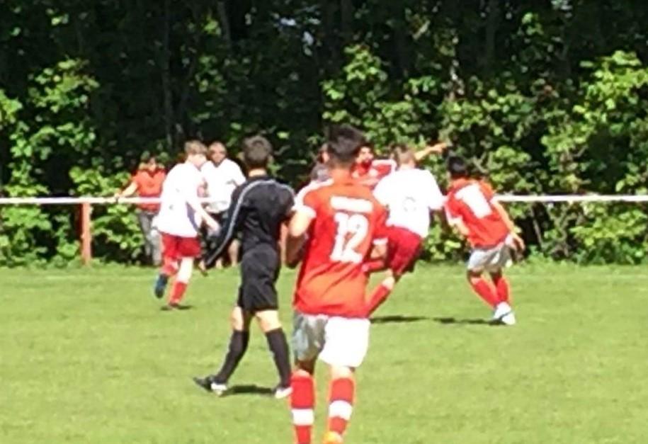 Kreisliga-U19 gewinnt 2:0 beim Spitzenreiter