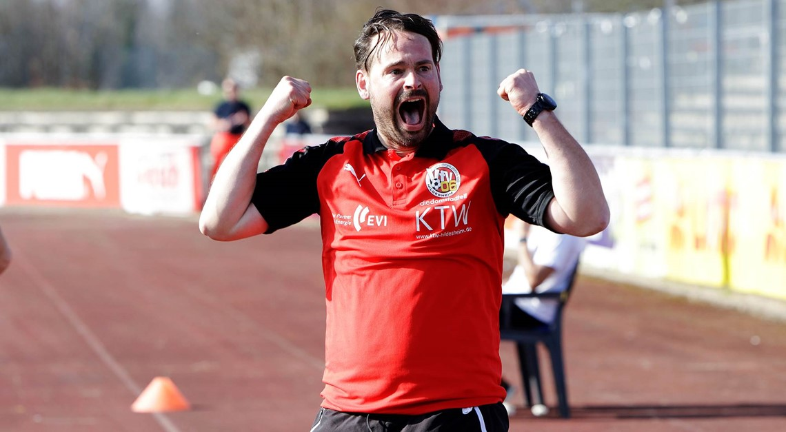 Thomas Siegel bleibt Chefcoach des VfV 06 !!!