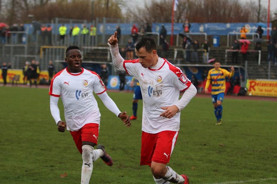 2:0 gegen Delmenhorst - VfV 06 auf Platz 6 !!!