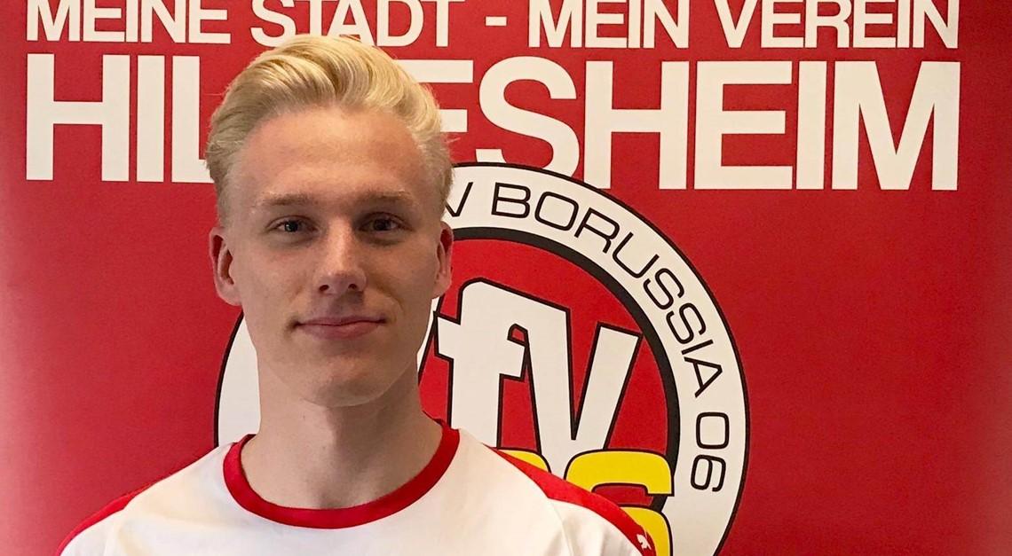 Pfeilschnell: Cedric Jahnel kommt aus der U-19!!
