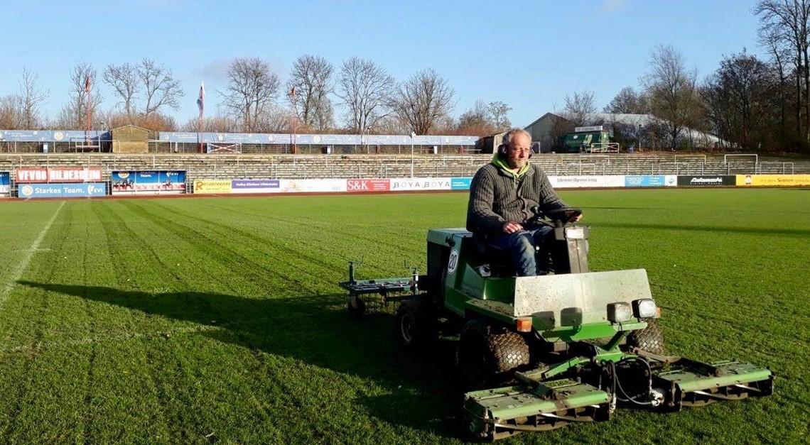 Rasen ordentlich: Derby findet definitiv statt!!