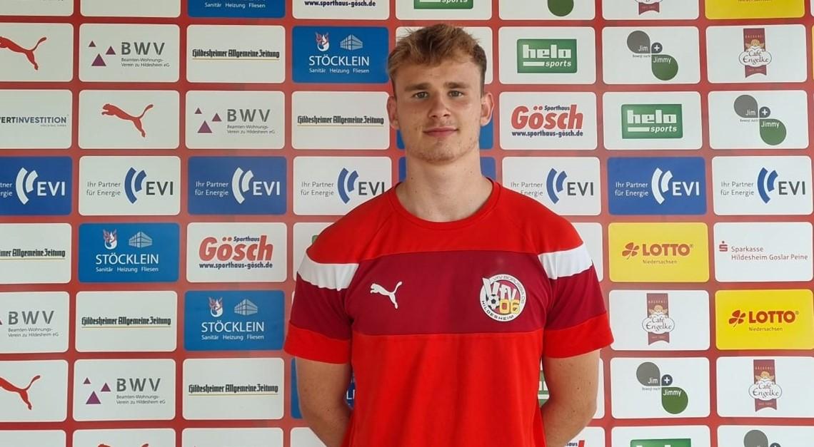 4.-Liga-Vertrag für 18-jährigen Vinzenz David!