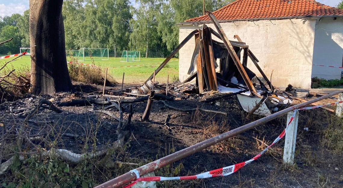 Brand beim VfV 06: Geräteschuppen vernichtet!