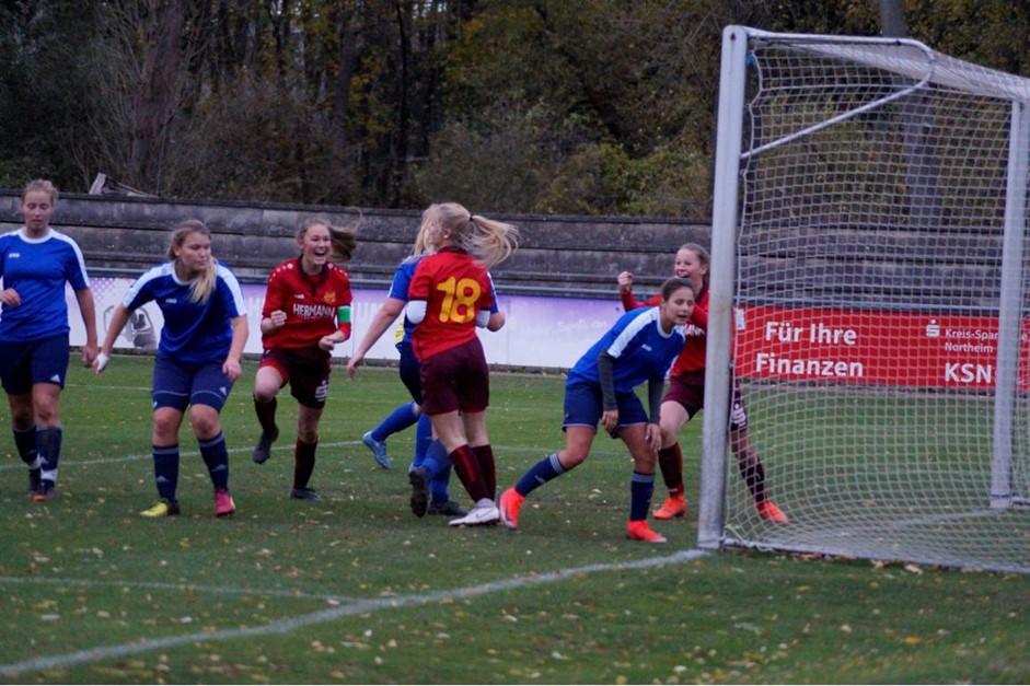 EintrachtFrauen mit Heimsieg auf Tabellenplatz 2