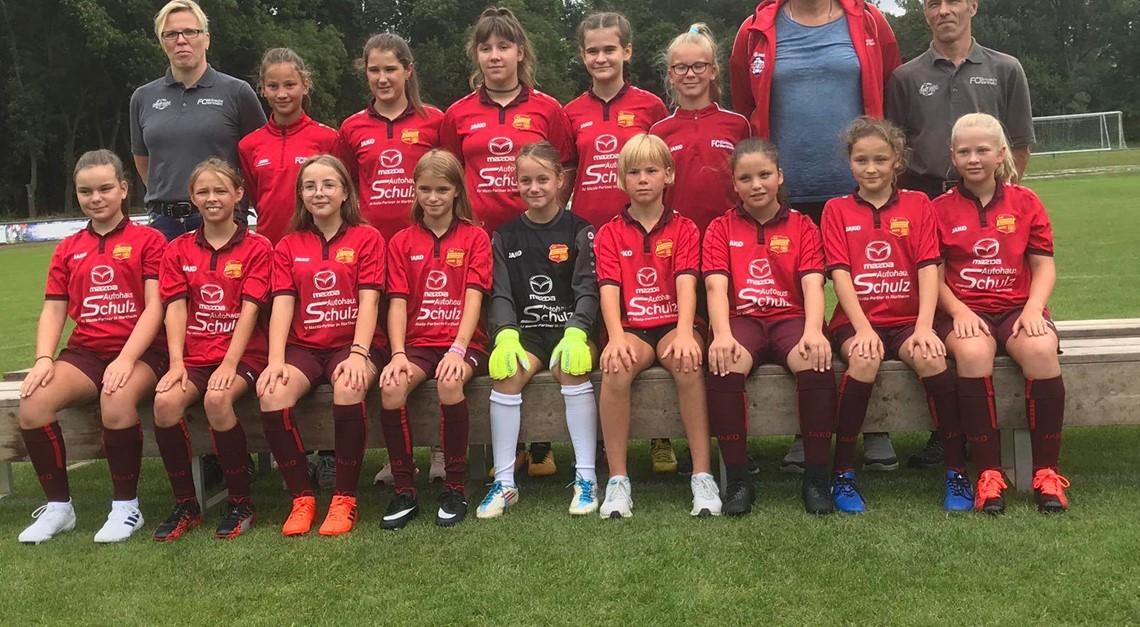 D-Juniorinnen gewinnen 22 : 0