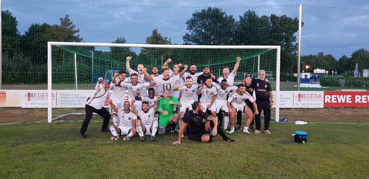 DERBYSIEGER - 3:0 Sieg gegen den 1. FC Sarstedt !