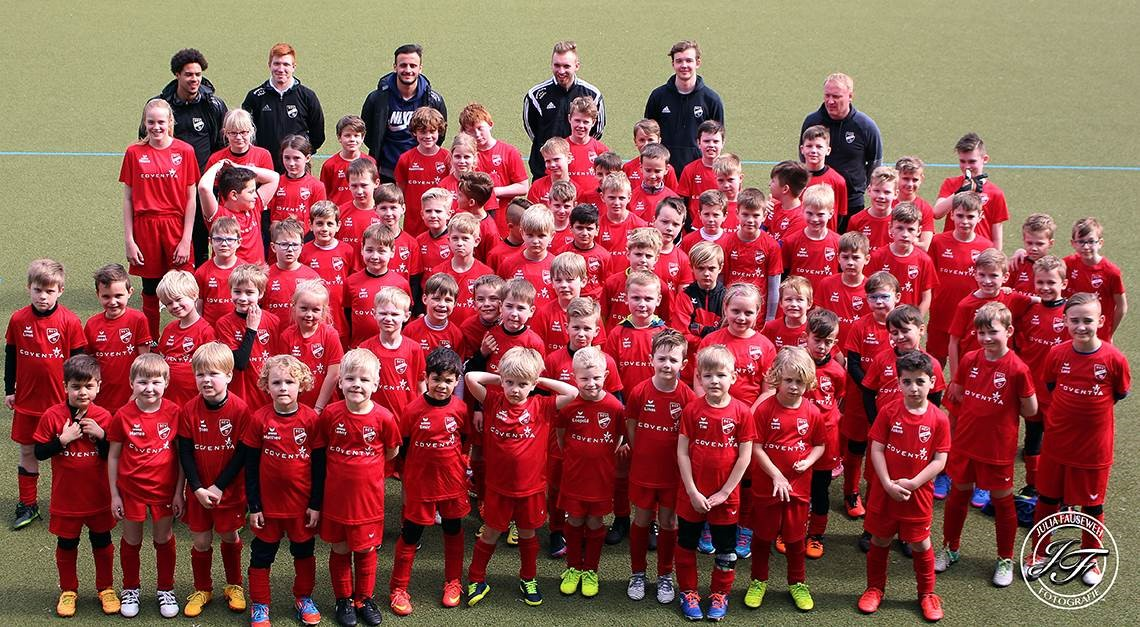 SPORTCLUB lädt zum Fußball-Camp in den Osterferien