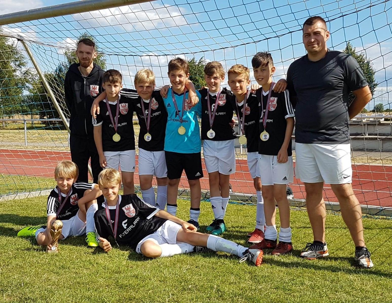 Mannschaftsfoto Fussballclub Neuenhagen 2