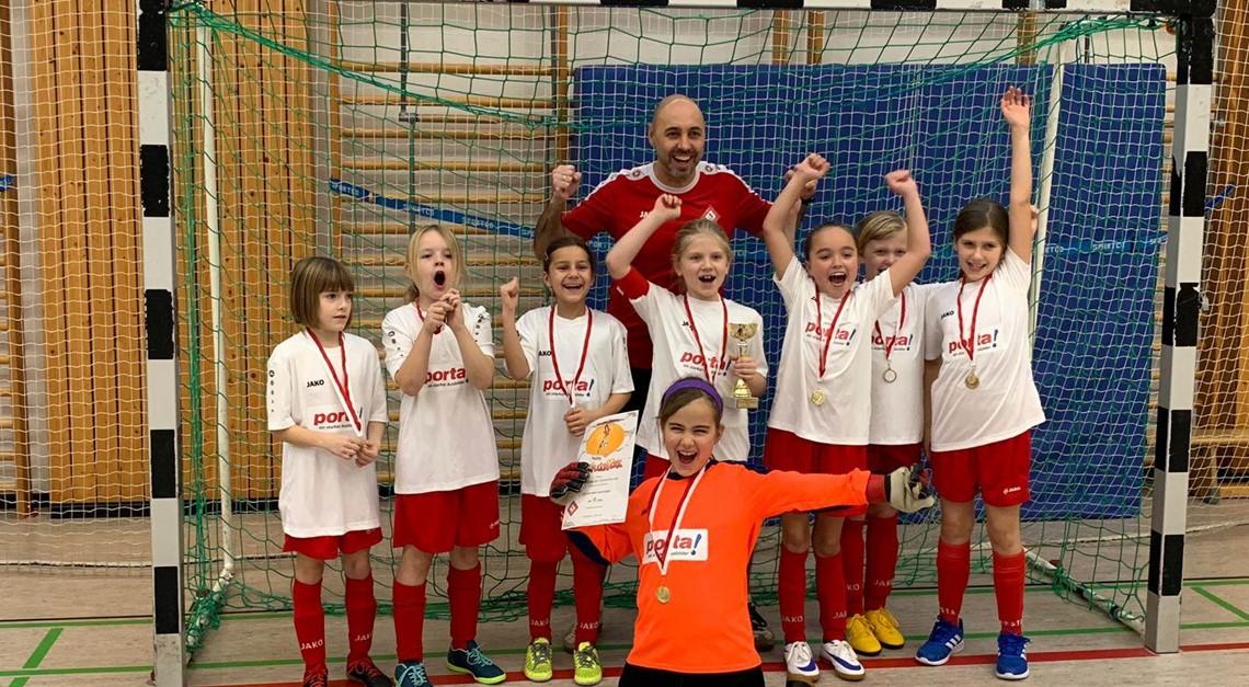 F-Juniorinnen: Der 1. Turniersieg ist geschafft