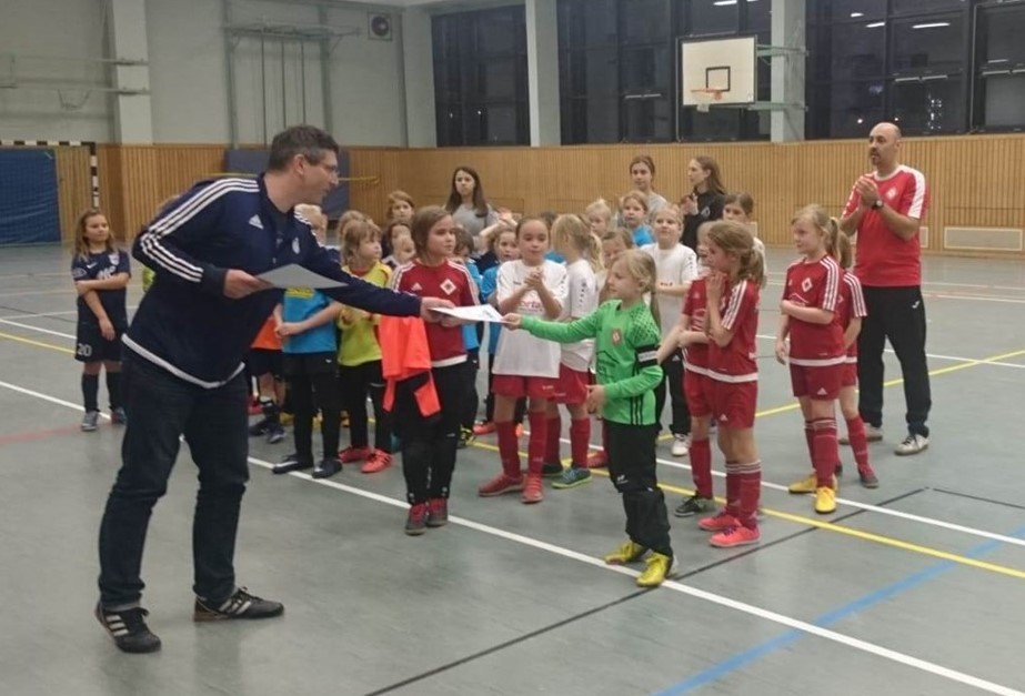 F-Juniorinnen: 2. Turniersieg knapp verfehlt