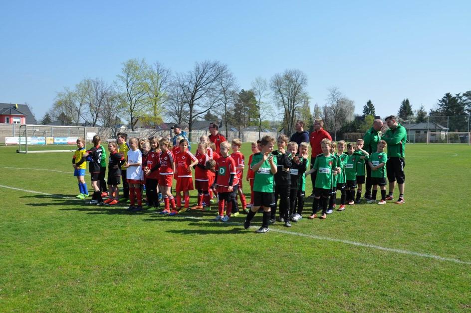 F-Juniorinnen: Achtungserfolg gegen Gartenstadt
