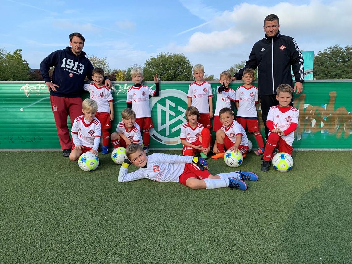 Mannschaftsfoto SG Rot-Weiss Neuenhagen 4