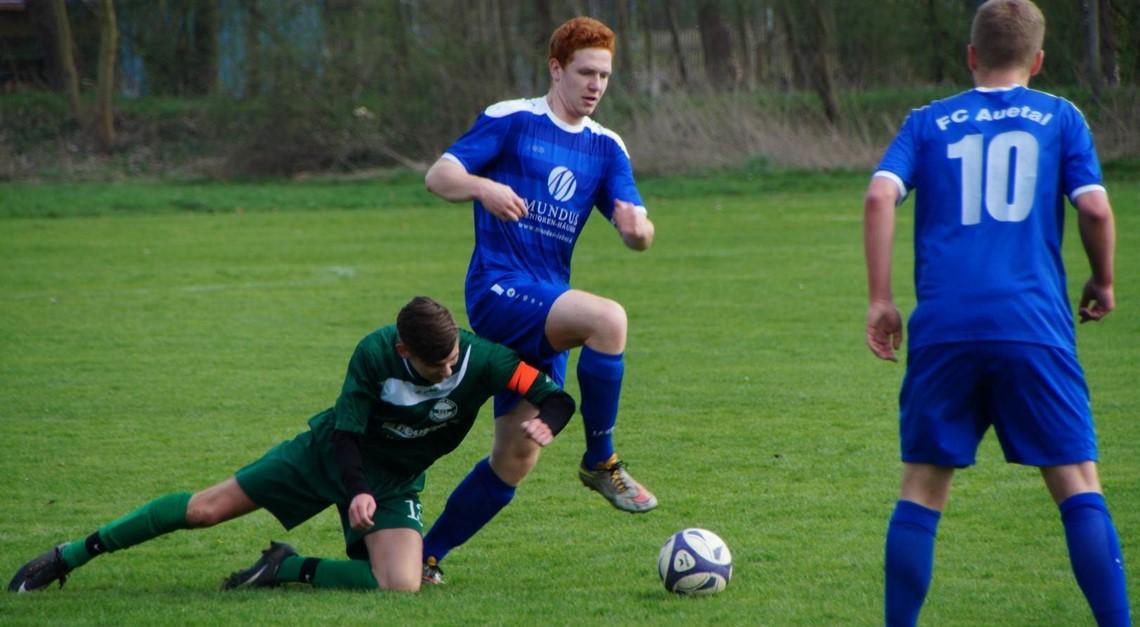 A-Junioren: Spitzenspiel in Harriehausen