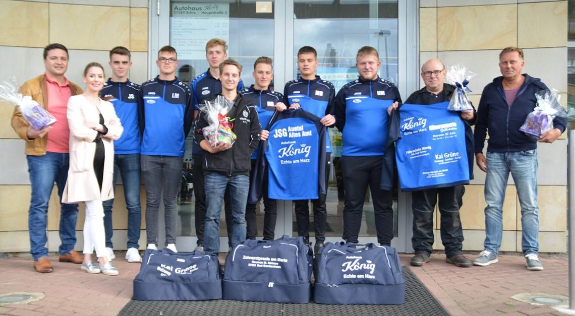 Großzügiges Sponsoring für U19 der JSG Aue/Leine