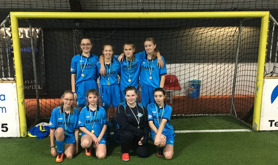 1. GIRLS & FRIENDS Fußball-Cup