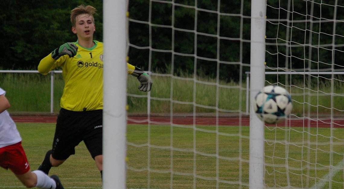 C2 gewinnt 4:3 gegen VFB Fichte Bielefeld