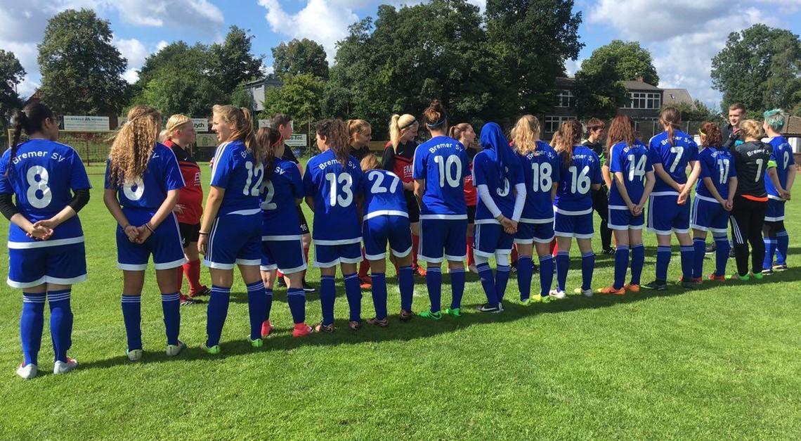 Erstes Frauenfußballspiel der Vereinsgeschichte