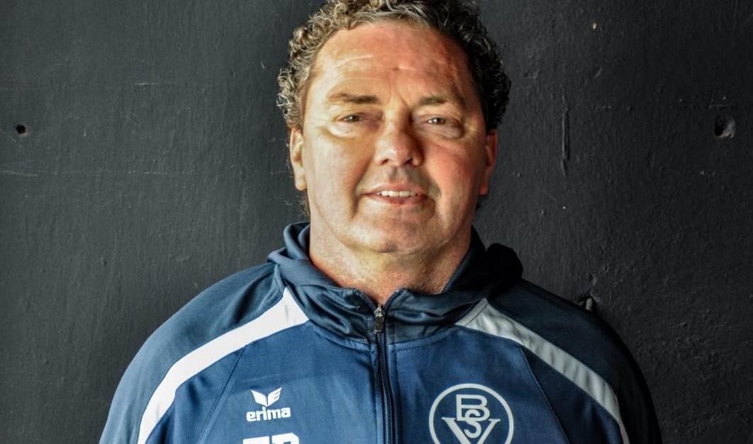 Der Bremer SV verlängert mit Ralf Voigt.