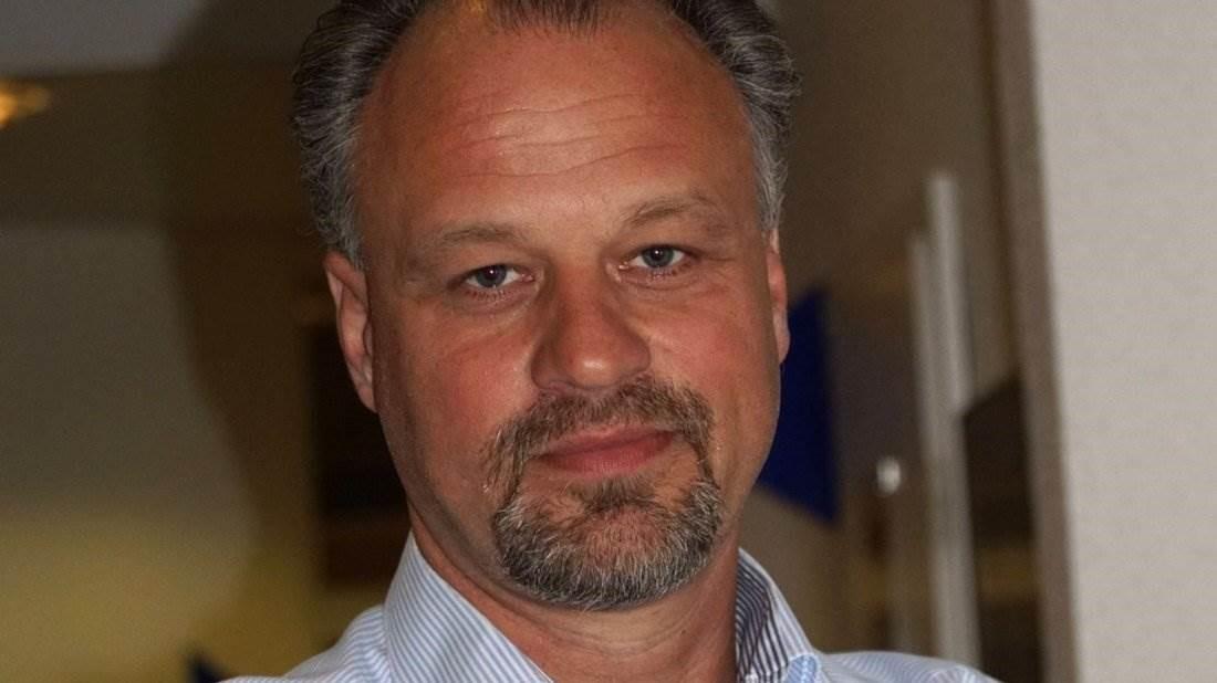 Stefan Keller hilft mit freiem Blick von außen