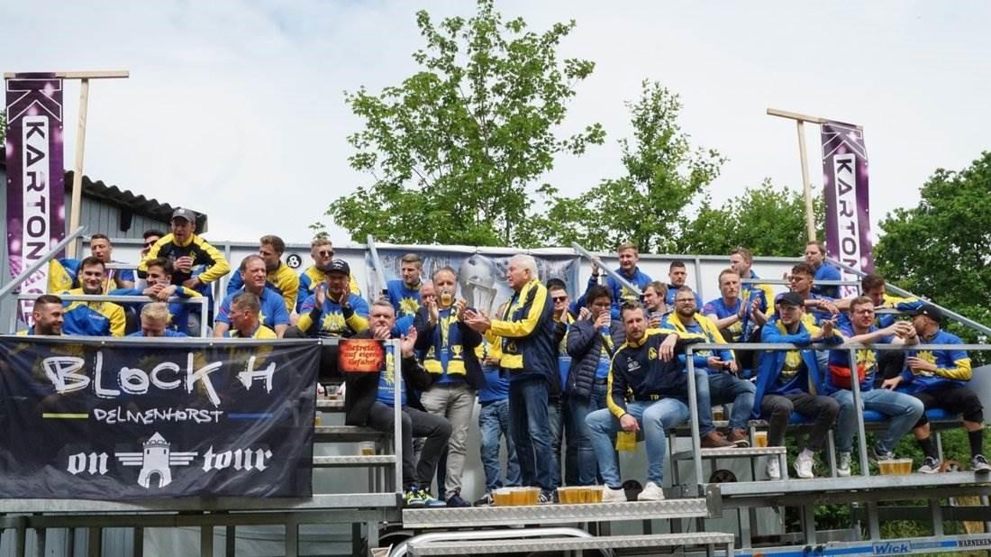 Partysause nach Pokalsieg in Hasbergen