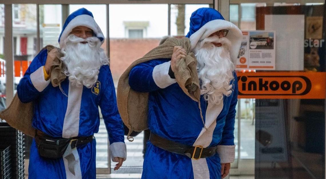 SVA-Weihnachtsmänner on Tour