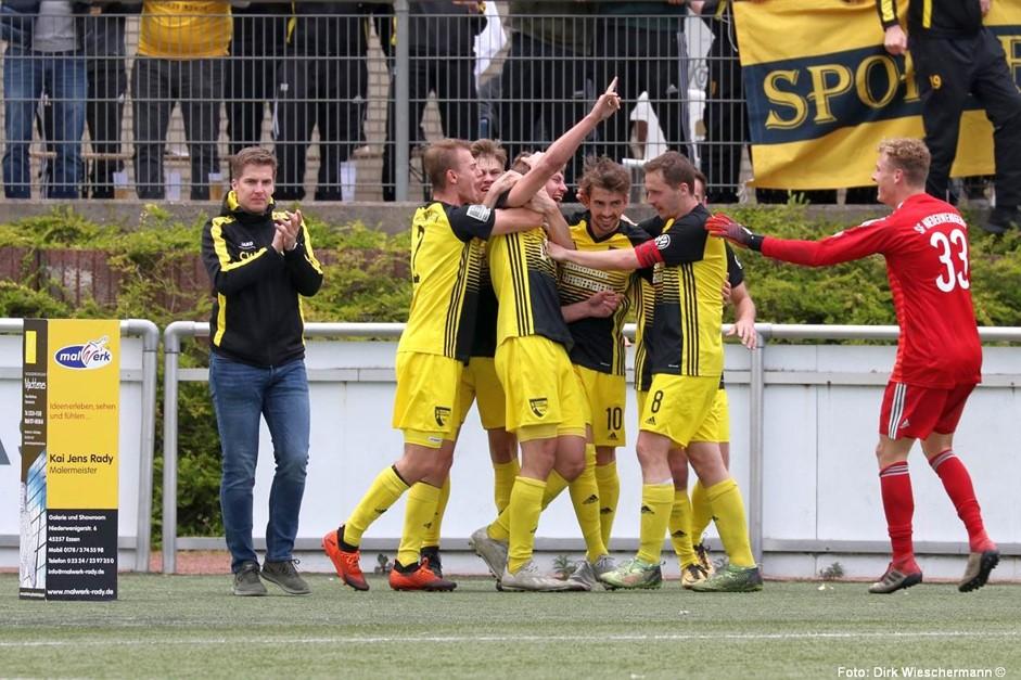 Sportfreunde nach Derbysieg kurz vor dem Aufstieg!