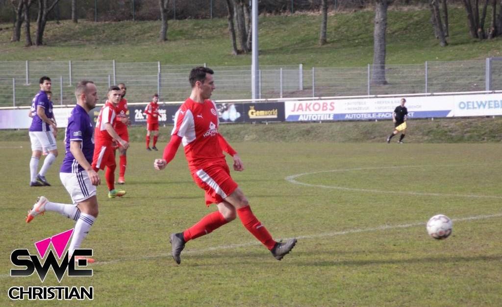 Karbach gewinnt mit 3:0