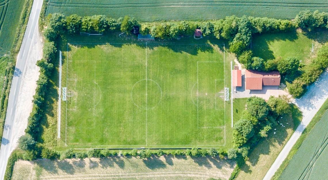 Fußballplatz & Sporthaus