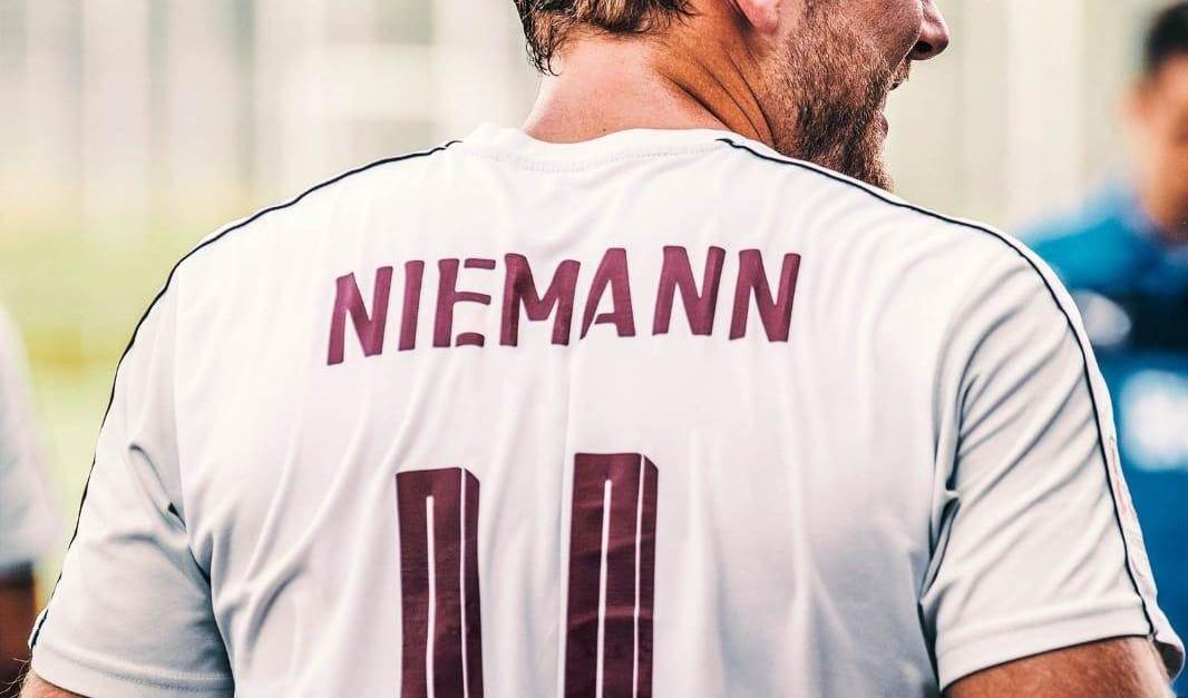 Torjäger Tristan Niemann im Portrait