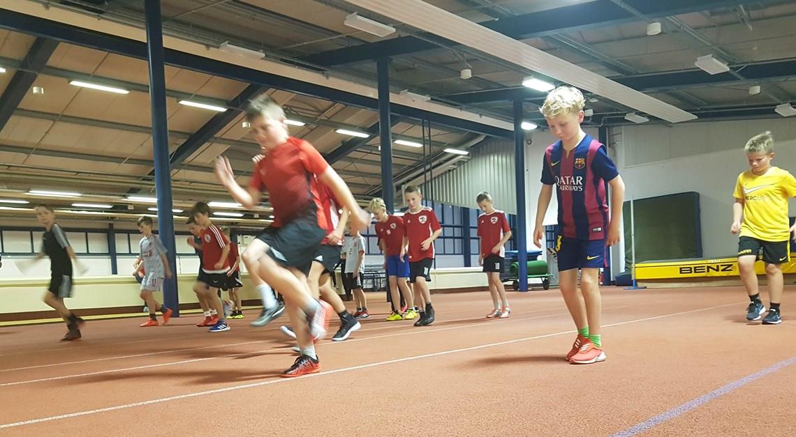 E1:Mehr als nur Fußball–laufen, was das Zeug hält