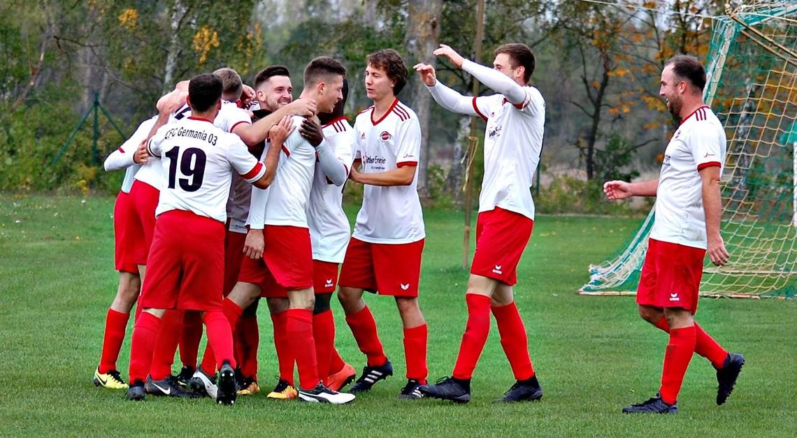 CFC gewinnt Derby in Friedersdorf mit 2:1