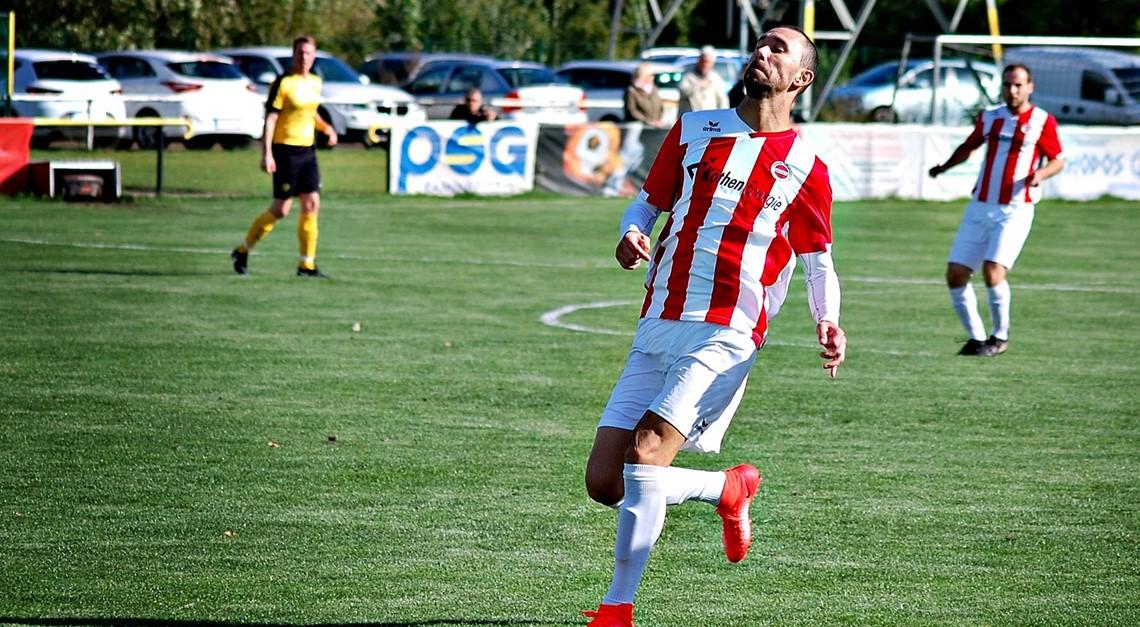 Adriano De Oliveria gewinnt das CFC-Torduell