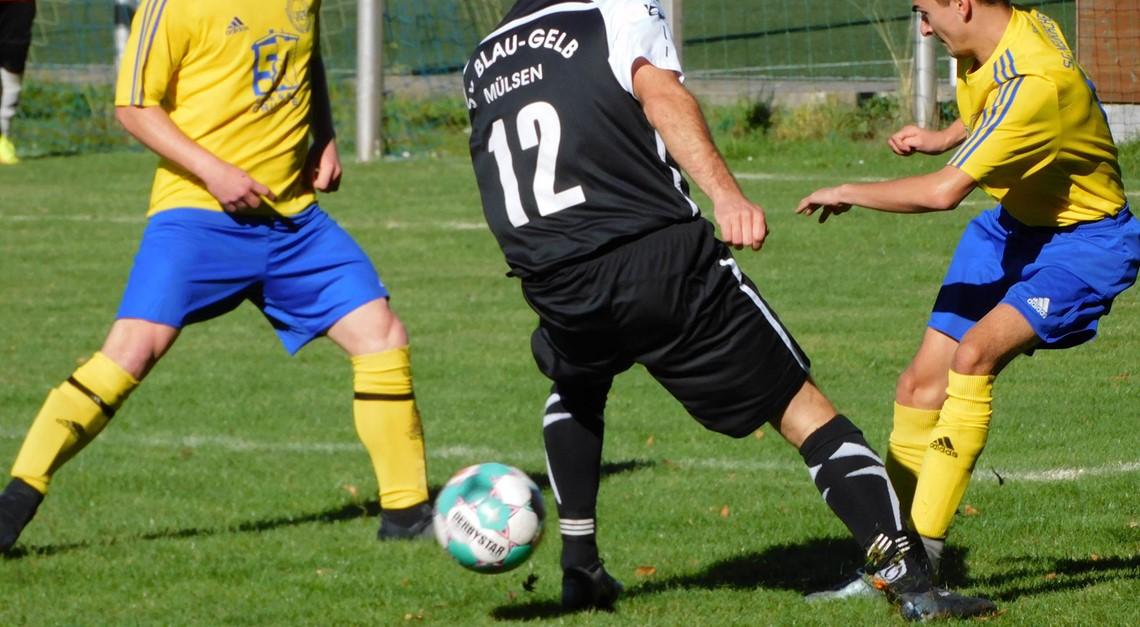 """""""Blau-Gelb"""" gewinnt 2:0 gegen Traktor Neukirchen"""